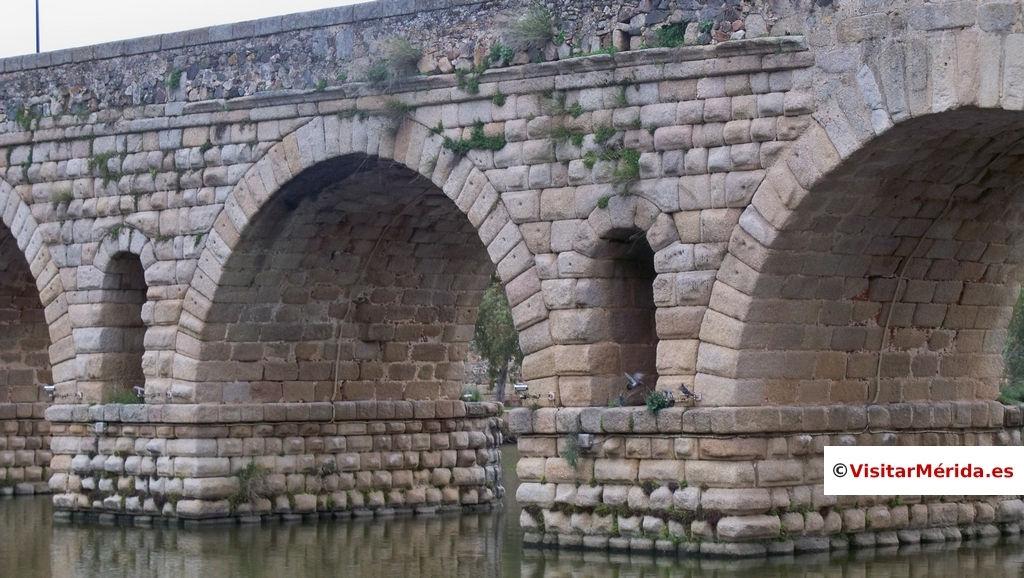 sillares puente romano merida