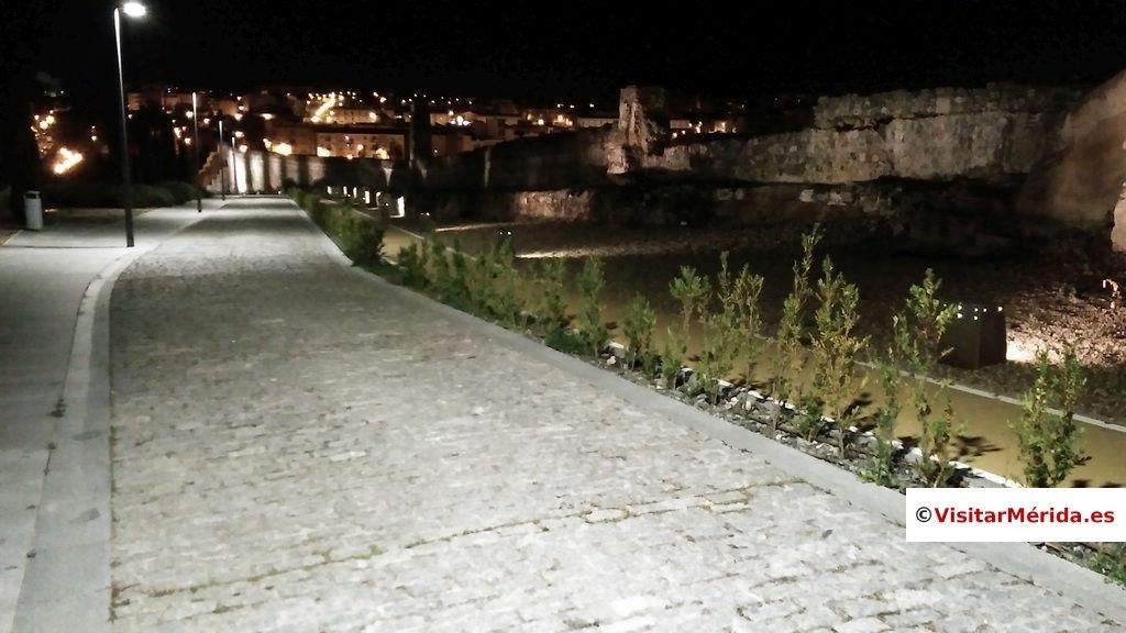 Acueducto rabo de buey Merida paseo nocturno