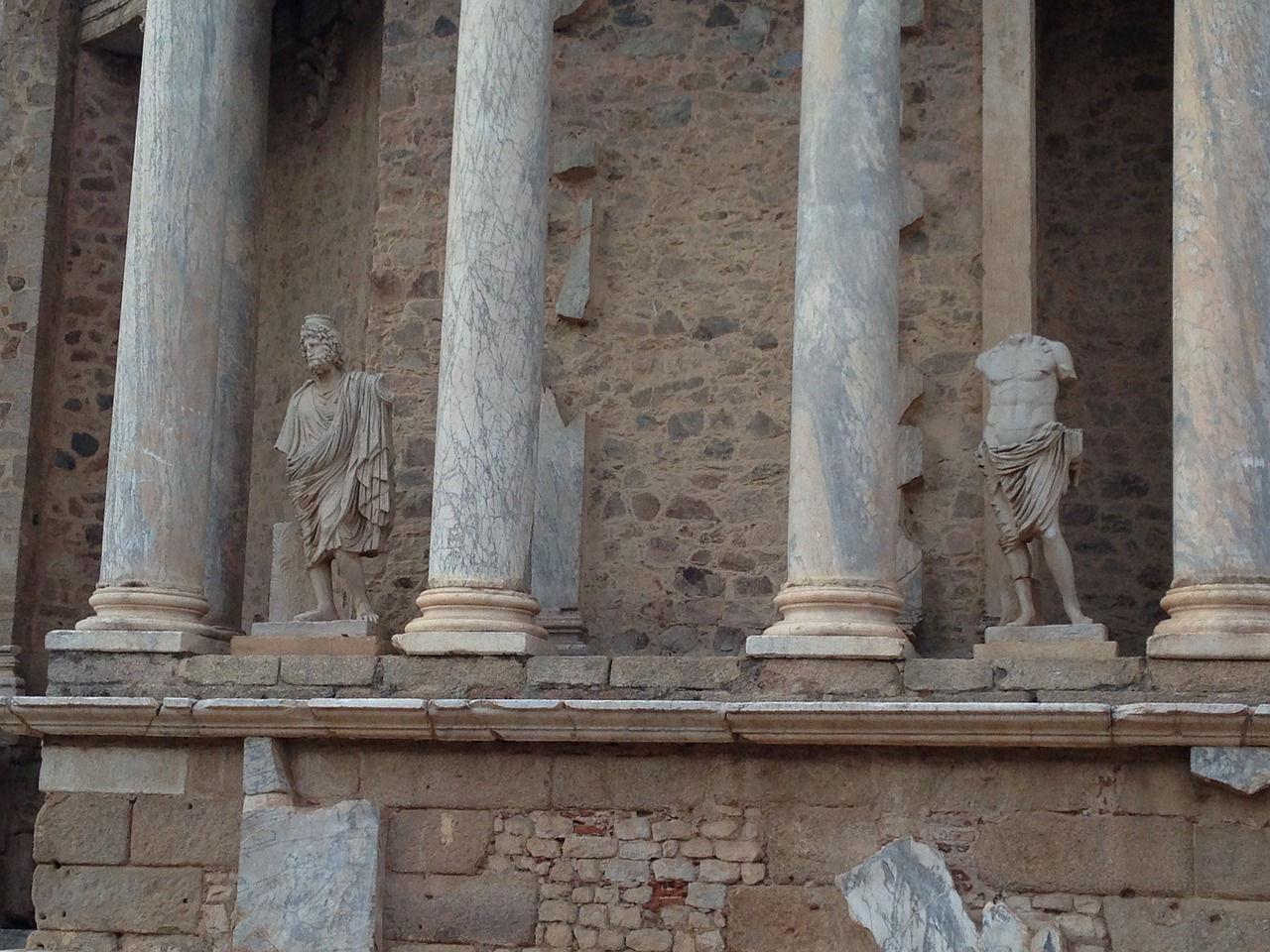 columnas teatro romano
